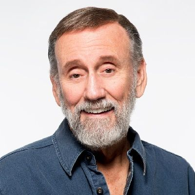 The 81-year old son of father (?) and mother(?) Ray Stevens in 2021 photo. Ray Stevens earned a  million dollar salary - leaving the net worth at  million in 2021